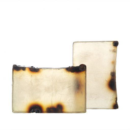 Prírodné mydlo SLOVENSKÝ RAJ - prírodná kozmetika na telo i tvár pre celú rodinu Luxusné prírodné mydlo bez sulfátov, parabénov, petrochémie. Vhodné pre vegánov, netestované na zvieratách. Mydlo obsahuje vitamíny B a C, flavonoidy, fosfor, železo, vápnik, horčík a jód