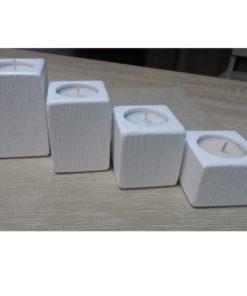 Adventné svietniky malé biele. Každá sada, každý kus svietnika je jedinečný originál. Originálne prírodné darčeky pre ženy, drevené bytové doplnky do moderného bytu