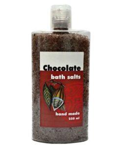 Kúpeľová soľ čokoládová, prírodná kozmetika na suchú pokožku do kúpeľa s čokoládou. Výrazne pomáha regenerácii pokožky a zvýšenému prekrveniu tkanív.