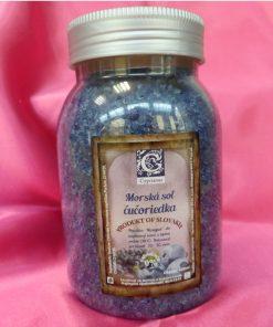 Čučoriedka kúpeľová morská soľ s obsahom bobúľ a zvodnou vôňou sladkej čučoriedky. Blahodarne prispieva k regenerácii organizmu, upokojeniu a harmónii , Prírodná kozmetika