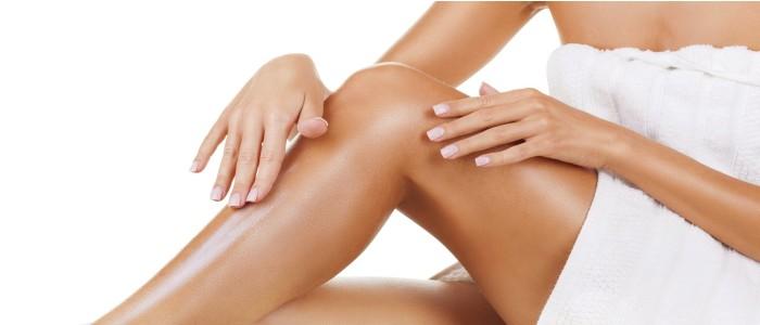 ?Prírodné peelingy odstraňujú odumreté kožné bunky, čistia pokožku a v konečnom dôsledku ju nechávajú obnovenú, jemnú a vláčnu.
