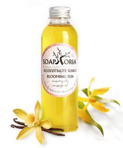 Organický masážny olej Rozkvitnuté slnko s ylang-ylang a vanilkou. Bez živočíšnych tukov, ropných derivátov, glykolov, parabénov, parfumácie a farbív. VEGAN