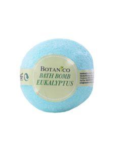Guľa kúpeľová Eukalyptus prírodná kozmetika na suchú pokožku. Šumivá kúpeľová guľa ponúka dokonalú starostlivosť a uvoľnenie celému telu.