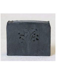 Prírodné mydlo Čierne uhlie - slovenská prírodná kozmetika na mastnú, aknóznu pokožku. Perfektne absorbuje znečistenie a nadbytočný kožný maz.