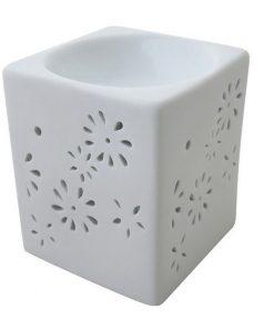 Aromalampa biela hranatá keramická s extra hlbokou miskou, je vhodná ako darček pre ženu i muža. Elegantný moderný bytový doplnok