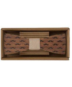 Drevený motýlik Fúzy - originálny darček pre muža. Ľahká, hravá móda, nevtieravý šarm a elegancia. S dreveným motýlikom nič nepokazíte. Aj na svadbu.