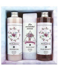 Darčeková kazeta Ruža Boho Style s extraktmi z ruže, darček pre ženu. Šetrne umýva a zanecháva vašu pokožku sviežu a krásne prevoňanú. Bohémsky štýl. Prírodná kozmetika, bio kozmetika