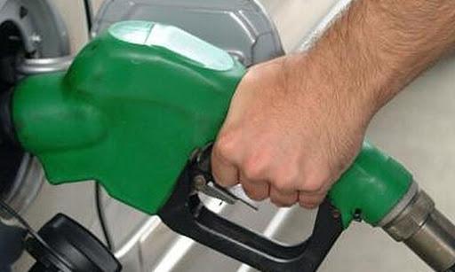 Vegánske zloženie má aj motorová nafta a preto nedajme oklamať. Vegánska kozmetika neznamená automaticky, že je to čisto prírodná kozmetika. Nie je a preto