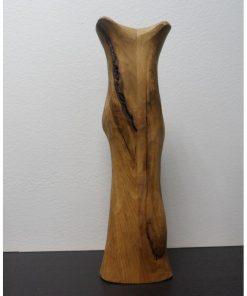Váza dub masív prírodná 1 masívny dub, pri povrchovej úprave bol použitý transparentný olej. Olejová úprava, hladký povrch, sú priznané špáry a praskliny