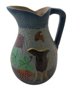Aromalampa ručne maľovaná Váza je milá, menšia aromalampa, je vhodná ako darček pre ženu. Elegantný moderný bytový doplnok