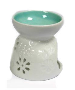 Aromalampa biela Kvety keramická s kvalitnou keramikou - na vonné vosky, je vhodná ako darček pre ženu i muža. Elegantný moderný bytový doplnok