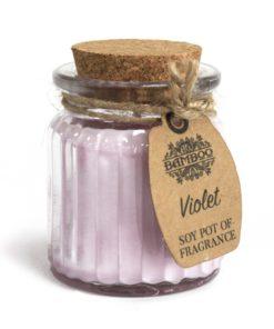 Sójová sviečka Fialka je prírodná sviečka. jemná, svieža a nevtieravá vôňa. Darčekové balenie, vhodné pre ženu. S čistým esencialnym olejom