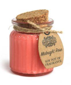 Sójová sviečka Polnočná ruža je prírodná sviečka. Jemná, svieža a nevtieravá vôňa. Darčekové balenie. S čistým esencialnym olejom